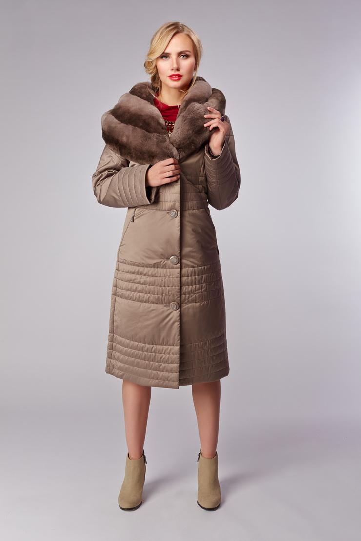 Женское итальянское демисезонное пальто на тинсулейтеПальто<br>Женское итальянское демисезонное пальто на тинсулейте<br>Цвет: бежевый; Размер: 52; Состав: 100% п/э; . наполнитель - thinsulate; меховая отделка - кролик рекс; Материал: 100% п/э; . наполнитель - thinsulate; меховая отделка - кролик рекс;