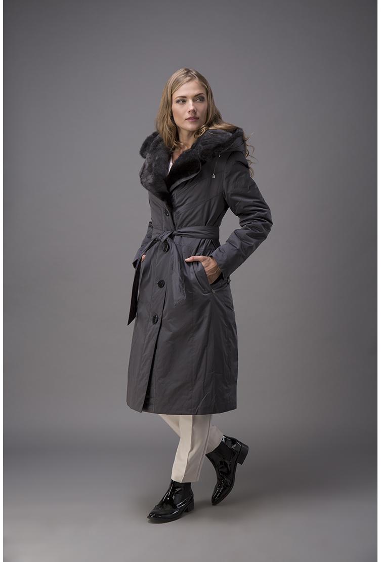 Зимнее болоневое пальто с мехом кроликаПальто<br>Зимнее болоневое пальто с мехом кролика<br>Цвет: серый; Размер: 56; Состав: 100% п/э; . подстежка - кролик натуральный; меховая отделка - норка; Материал: 100% п/э; . подстежка - кролик натуральный; меховая отделка - норка;