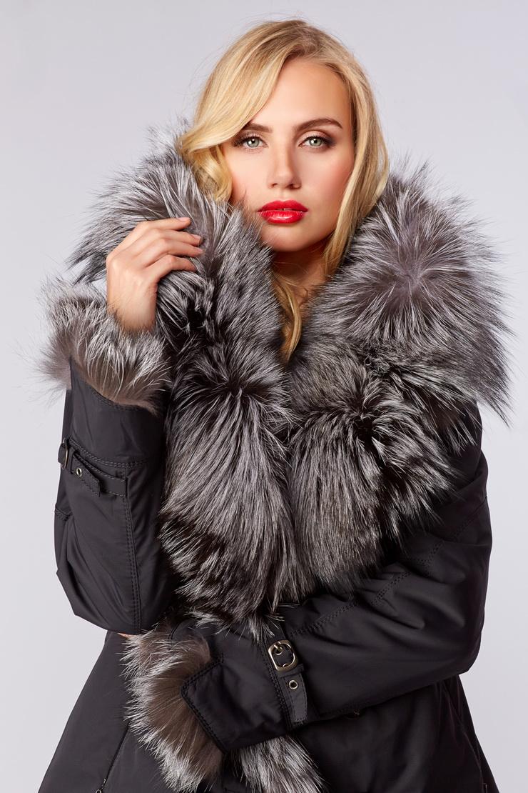Женская куртка на меху для зимыКуртки<br>Женская куртка на меху для зимы<br>Цвет: темно-синий; Размер: 42, 44, 50, 52, 54; Состав: 100% п/э; подкладка 100% п/э; мех - чернобурка; меховая подстежка - кролик; Материал: 100% п/э; подкладка 100% п/э; мех - чернобурка; меховая подстежка - кролик;