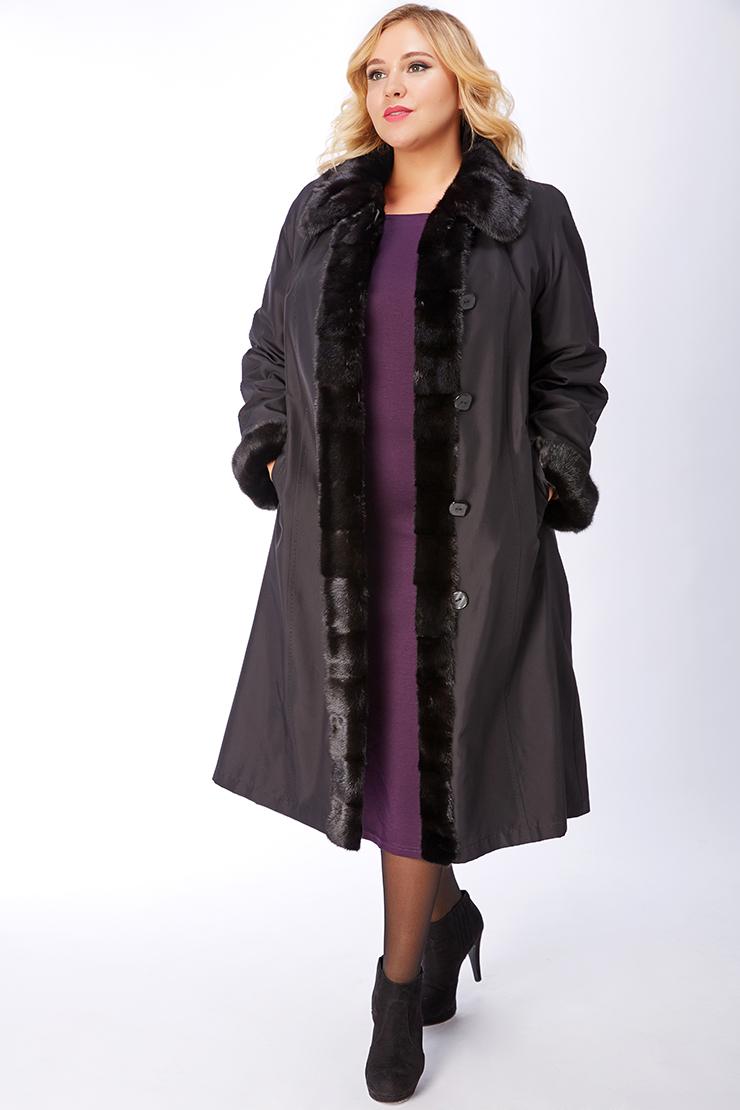 Женское пальто на большой размер на меху с норковой отделкой фото