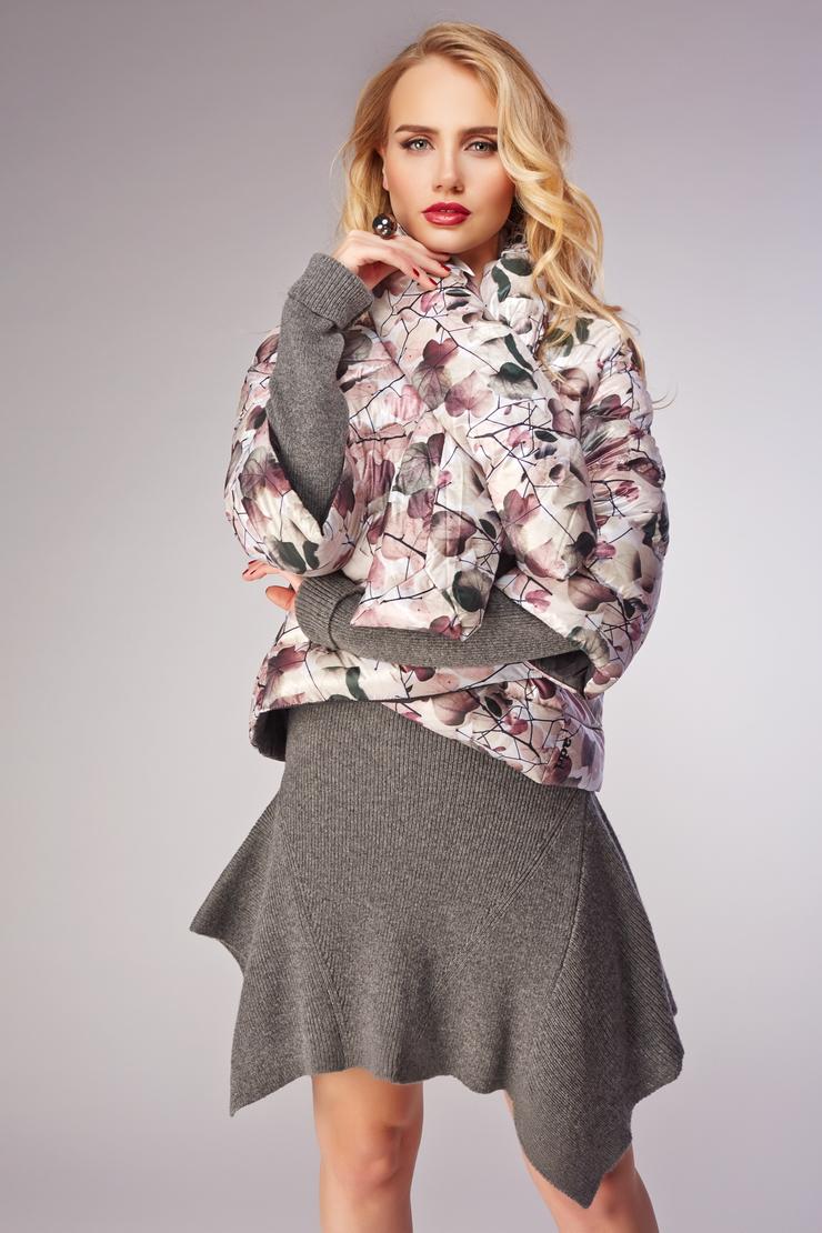 Короткая женская куртка ADD на пуху с рукавом 3/4Куртки<br>Короткая женская куртка ADD на пуху с рукавом 3/4<br>Цвет: бежевый; Размер: 40, 42; Состав: 100% п/а, подкладка 100% п/а, наполнитель - 100% утиный пух; Материал: 100% п/а, подкладка 100% п/а, наполнитель - 100% утиный пух;