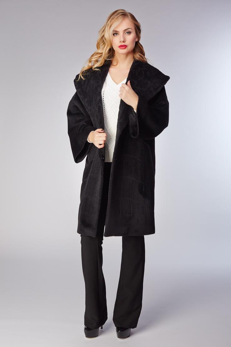 Итальянское пальто средней длины оверсайз из альпакаПальто<br>Итальянское пальто средней длины оверсайз из альпака<br>Цвет: черный; Размер: 48; Состав: 70% альпака, 30% шерсть + 75% альпака, 25% шерсть, подкладка 100% вискоза; Материал: 70% альпака, 30% шерсть + 75% альпака, 25% шерсть, подкладка 100% вискоза;
