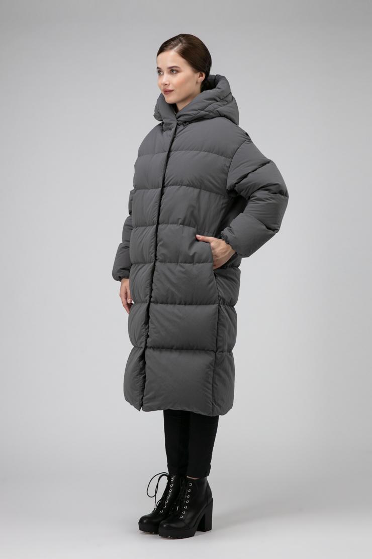 Модное женское пуховое пальто силуэта бочонок