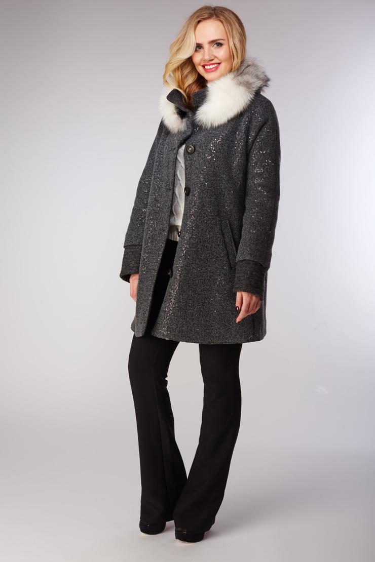 Молодежное женское пальто с меховым воротником из лисыПальто<br>Молодежное женское пальто с меховым воротником из лисы<br>Цвет: серый; Размер: 46, 48, 50, 52; Состав: 42% - п/э,38% - шерсть, 20% акрил; подкладка - 100%; меховая отделка - лиса; утеплитель - FillTherm; Материал: 42% - п/э,38% - шерсть, 20% акрил; подкладка - 100%; меховая отделка - лиса; утеплитель - FillTherm;