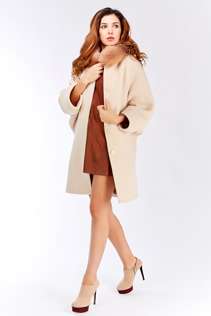 Модное пальто кокон из альпака с рукавами