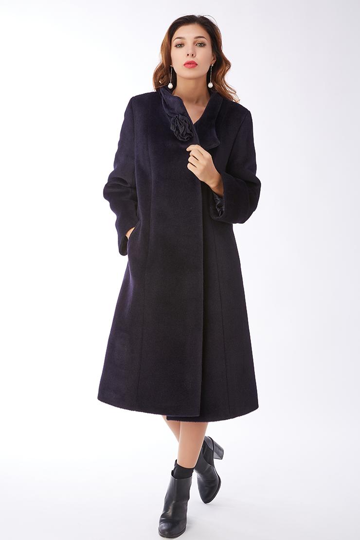 Длинное женское пальто с запахом из альпака на большой размерПальто<br>Длинное женское пальто с запахом из альпака на большой размер<br>Цвет: темно-синий; Размер: 50, 52, 56; Состав: 35% - сури, 35% - беби альпака, 30% - шерсть; подкладка - 55% вискоза, 45% п/э; Материал: 35% - сури, 35% - беби альпака, 30% - шерсть; подкладка - 55% вискоза, 45% п/э;