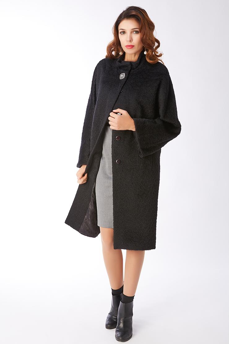 Пальто-оверсайз из альпака с рукавом регланПальто<br>Пальто-оверсайз из альпака с рукавом реглан<br>Цвет: черный; Размер: 46, 48, 50, 52, 54, 56; Состав: 75% - сури альпака, 25% - шерсть; подкладка - 55% вискоза, 45% п/э; Материал: 75% - сури альпака, 25% - шерсть; подкладка - 55% вискоза, 45% п/э;