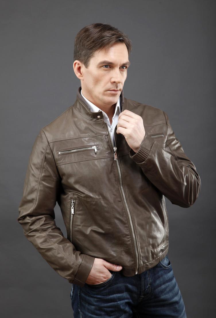 Купить со скидкой Мужская короткая кожаная куртка AFG светло-коричневого цвета