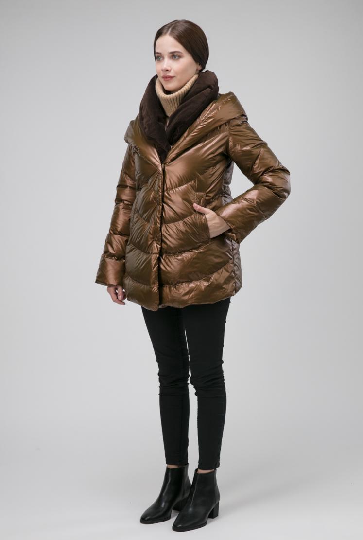 Короткая женская комбинированная куртка на пуху из Италии фото