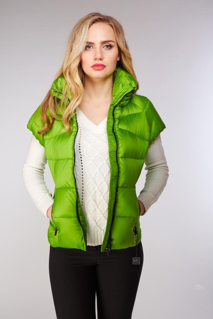 Женская пуховая жилетка ADD зеленого цвета EAW675/A10-зеленый