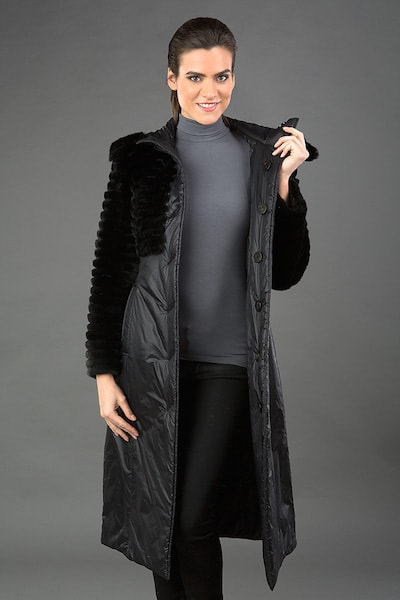 ad6b00e3276 Черное демисезонное пальто на синтепоне с отделкой мехом кролика ...