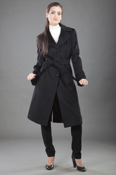 9434e66c23c ... Классическое пальто в английском стиле Teresa Tardia черного цвета