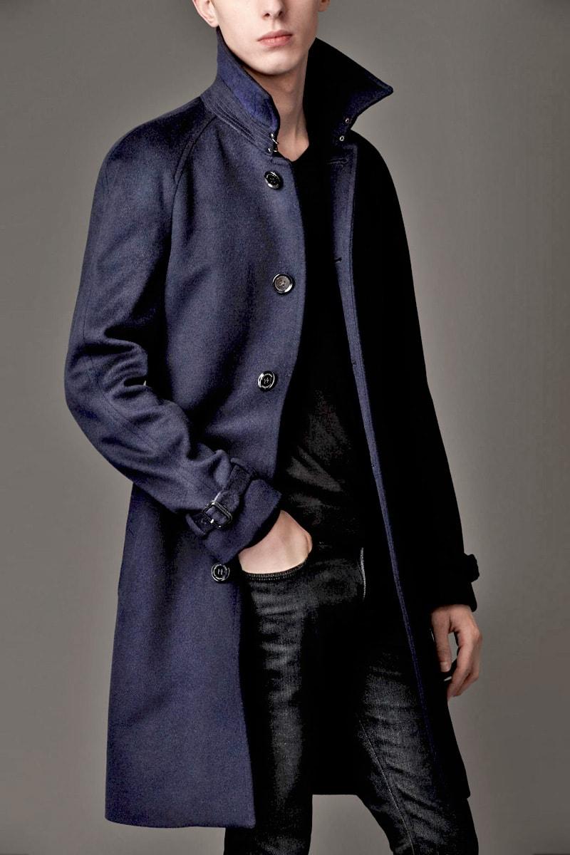 Темно-синий тренчкот Burberry из шерсти и кашемира