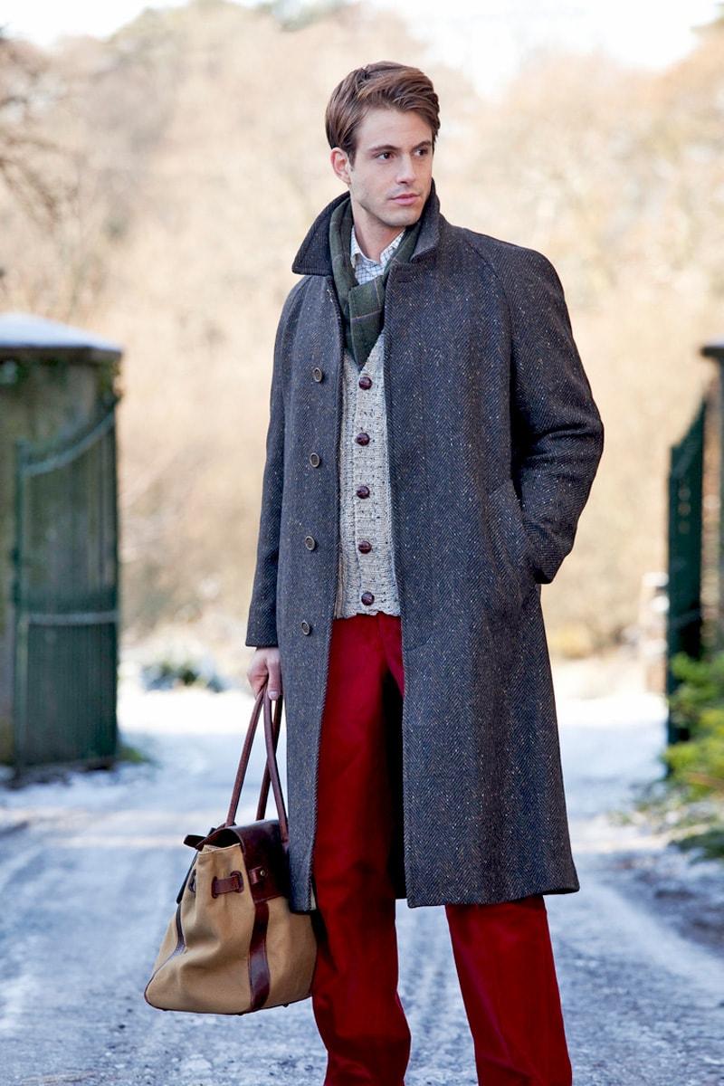 Серое мужское пальто-реглан из твида