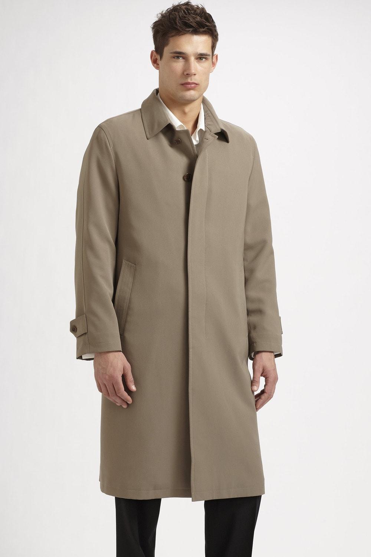 Бежевое мужское пальто с рукавом полуреглан