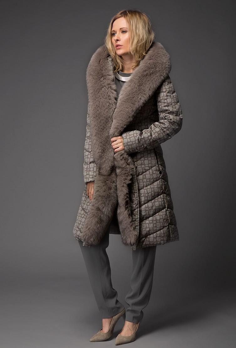 Смотреть Даниэла Виоланти: Мода – это любовь с первого взгляда видео