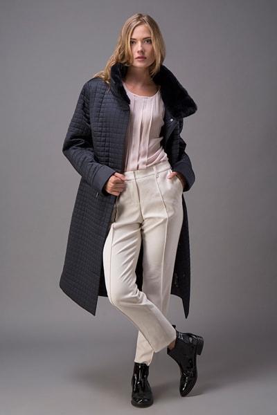 579e7c6cdc7 Синее драповое пальто Violanti с воротником-стойкой · Демисезонное женское  пальто с меховым воротником ...