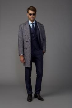 7ec49278911 Классическое мужское пальто осень 2017 из коллекции Kiton ...