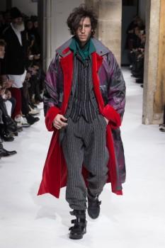 42e9351a8ef ... Молодежное мужское пальто осень 2017 трапециевидного кроя