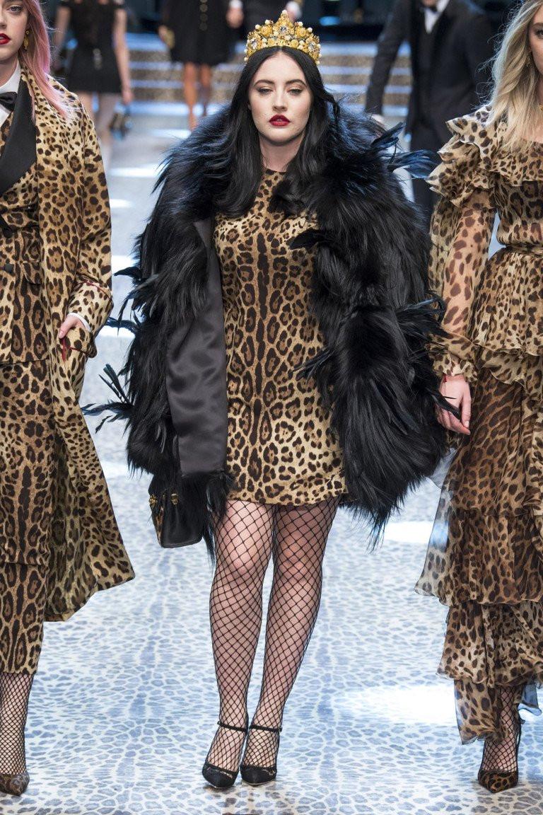 Женская шуба 2017-2018 в стиле оверсайз из коллекции Dolce & Gabbana