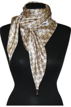бежевый шарф с орнаментом