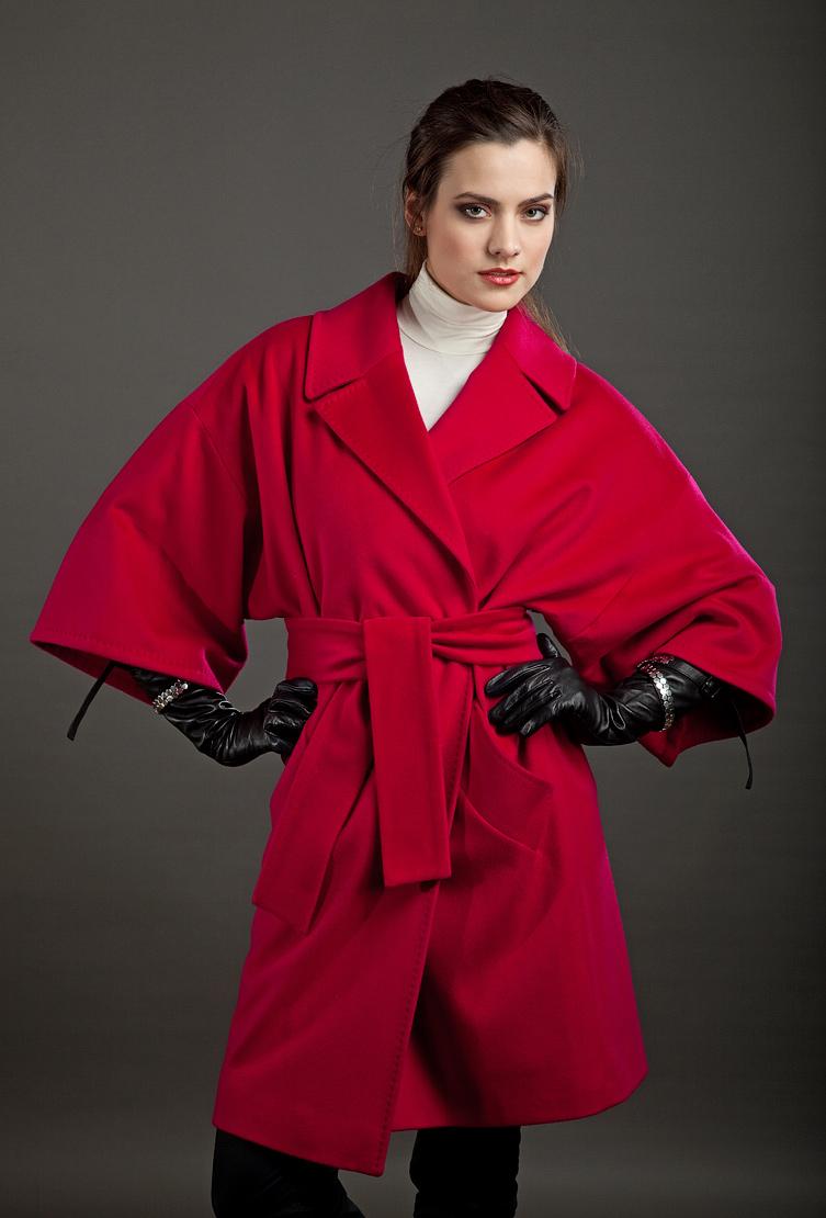 красивое необычное женское пальто фото слова поздравления также