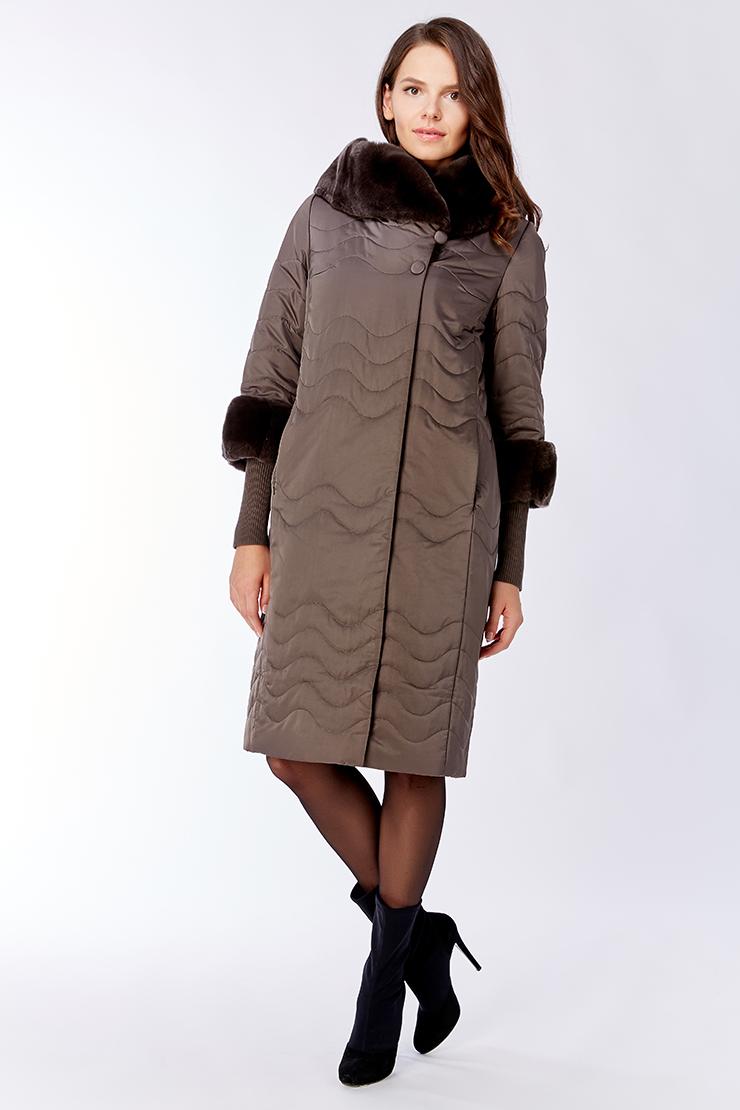 ac42b272931c8 Стильное прямое демисезонное пальто с мехом на тинсулейте