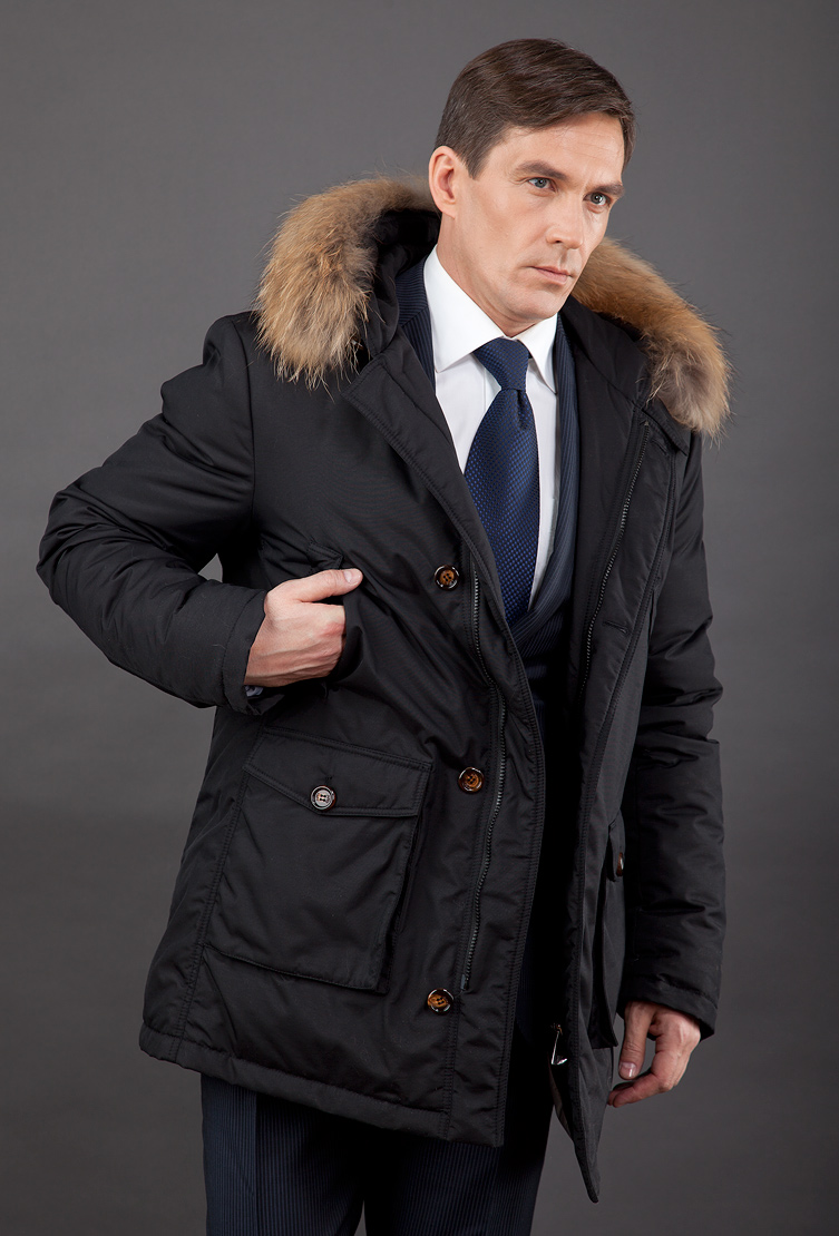 601112042baa9 Мужской пуховик для зимы с мехом и капюшоном T3315/L16 - черный