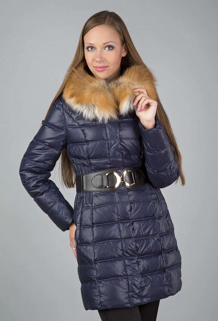 кожаный женский пуховик яркого цвета фото